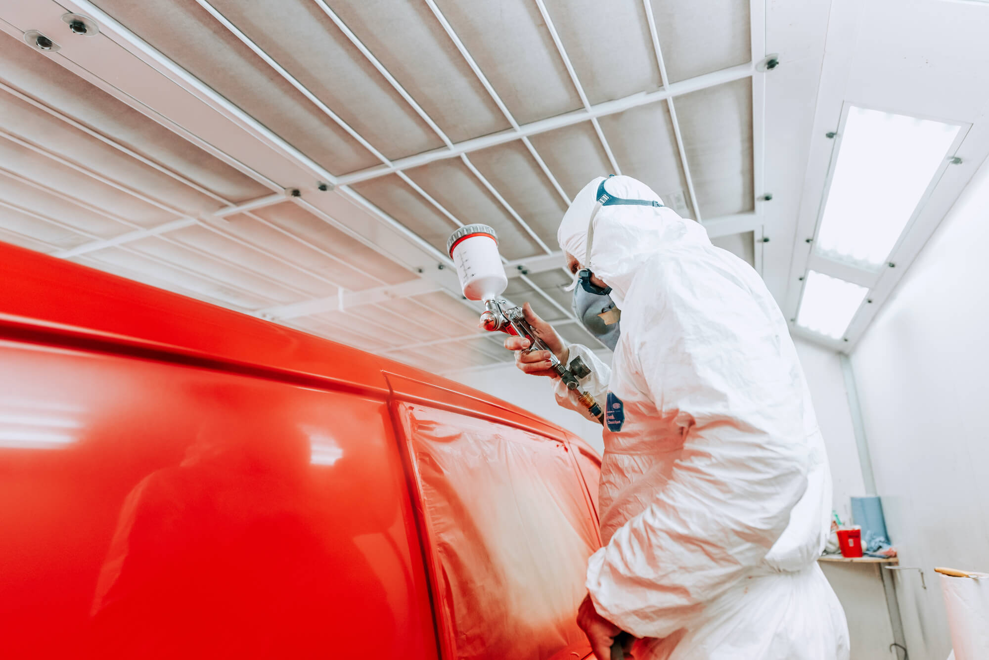 White reflective paints: a strong shield against harmful heat